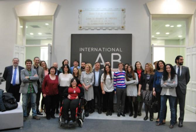 Fotografía de los equipos seleccionados en el UEIA Social 2014. Autoría eCapaz.